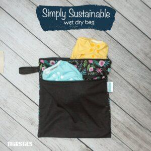 sac à deux compartiments dont un coté étanche, parfait pour séparer le linge humide et le sec.