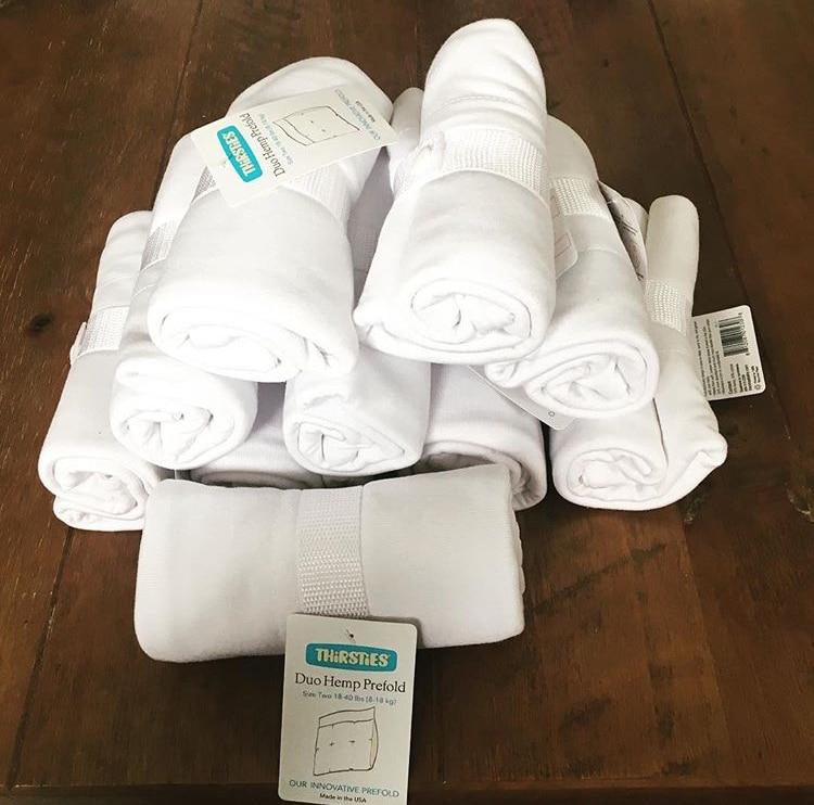 lange sur pratique, facile d'entretien et sèche très vite même sans sèche linge. A mettre dans toutes sortes de culottes de protection et de couches lavables à poche pour le jour ou la nuit