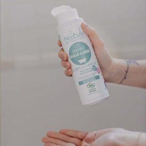 Gel lavant extra doux sans savon pour le corps et les cheveux de bébé